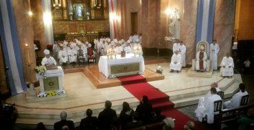 Laicos, religiosas y sacerdotes le dieron una cordial bienvenida al nuevo Obispo